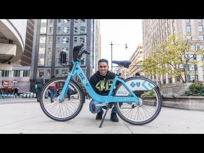 GOING AROUND CHICAGO ON A BIKE 🇺🇸